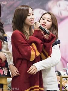 7 idols whose back hugs will melt your kpopstarz