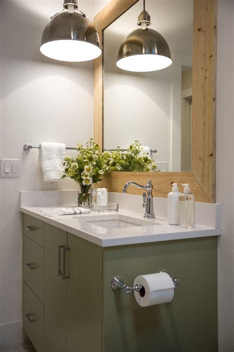 Hanging Bathroom Light Fixtures by 20 Beautiful Modern Bathroom Lighting Ideas 15201