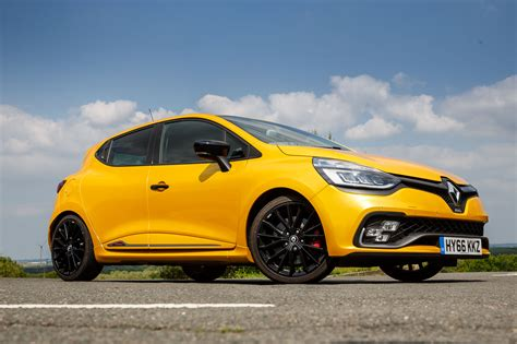 clio renault 2017 renault clio rs 220 trophy edc review