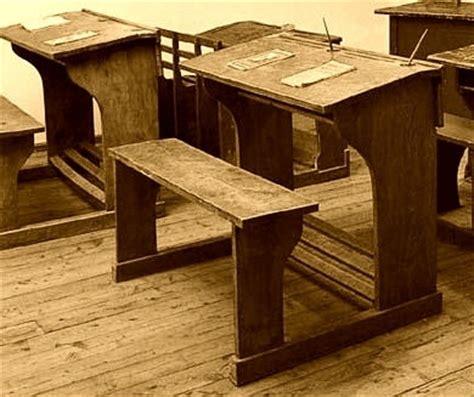banchi scuola usati scuola cronache bestiali della prima settimana sui banchi