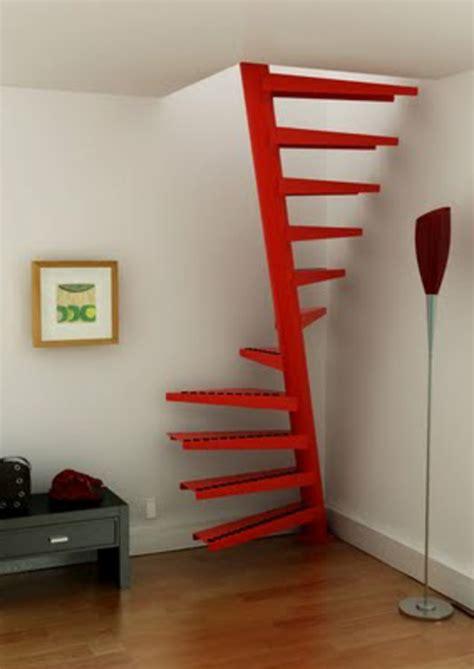 interieur et canapé un escalier en colimaçon des idées pour relooker votre