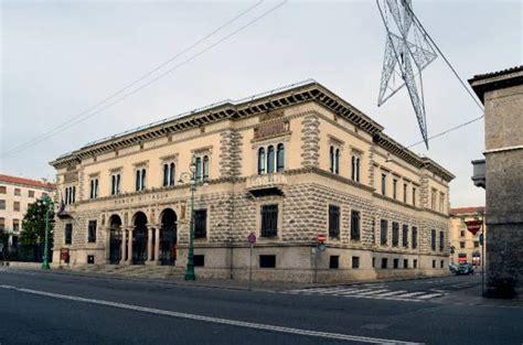 banca ditalia viale roma  bergamo bg architetture