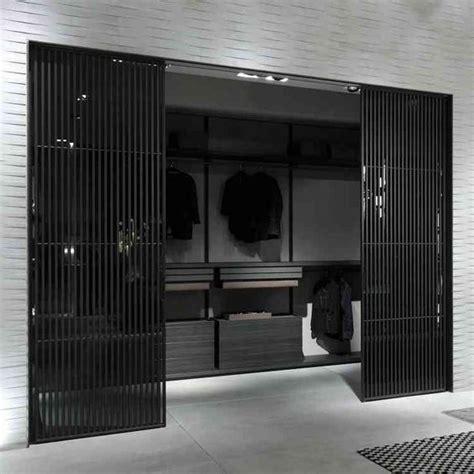 Kleiderschrank Für Wohnzimmer by Begehbare Kleiderschr 228 Nke F 252 R M 228 Nner Gadarobe
