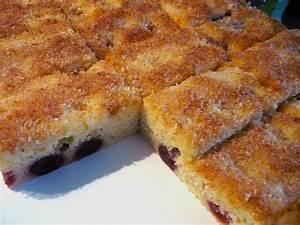 Kirschkuchen Blech Pudding : buttermilch kokos kuchen mit kirschen von fina 86 ~ Lizthompson.info Haus und Dekorationen