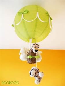 Lustre Montgolfière Bebe : lampe montgolfi re tigre vert et beige enfant b b luminaire enfant b b decoroots ~ Teatrodelosmanantiales.com Idées de Décoration