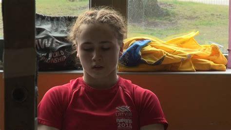 Latvijas svarcēlāja Rebeka Koha izcīnīja ceturto vietu Riodežaneiro olimpiskajās spēlēs - YouTube