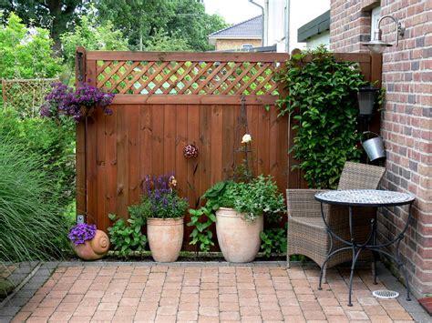 Sichtschutzzaun Terrasse Und Garten Vor Fremden Blicken Schuetzen by Schutz Vor Neugierigen Nachbarn So Bauen Sie Sich Einen