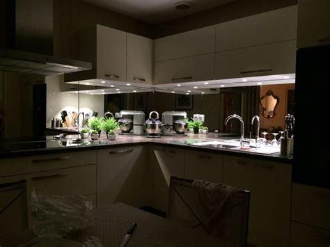 cuisine miroir credence miroir pour cuisine maison design bahbe com