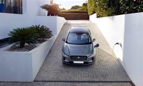 Jaguar F Pace Facelift 2020 by 2020 Jaguar F Pace Changes Interior And Facelift 2019