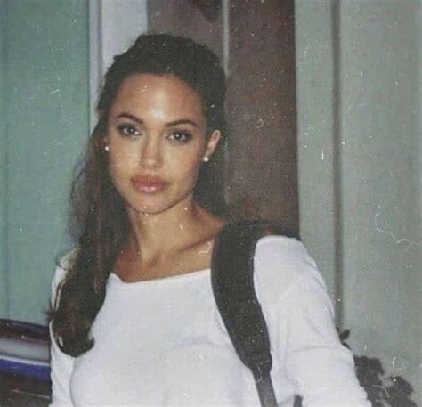Angelina Jolie in 2004 | 90s aesthetic, Angelina jolie 90s ...