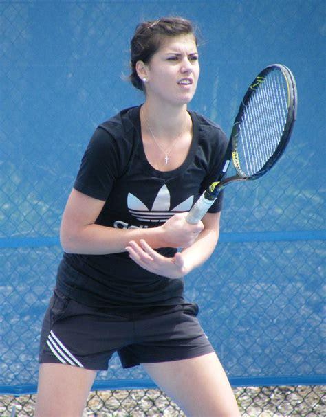Sorana mihaela cîrstea (romanian pronunciation: Sorana Cîrstea Mihnea Cirstea : WTA hotties: 2015 Hot-100 ...