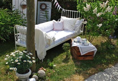Bett Im Garten  Gartendeko  Pinterest Garten