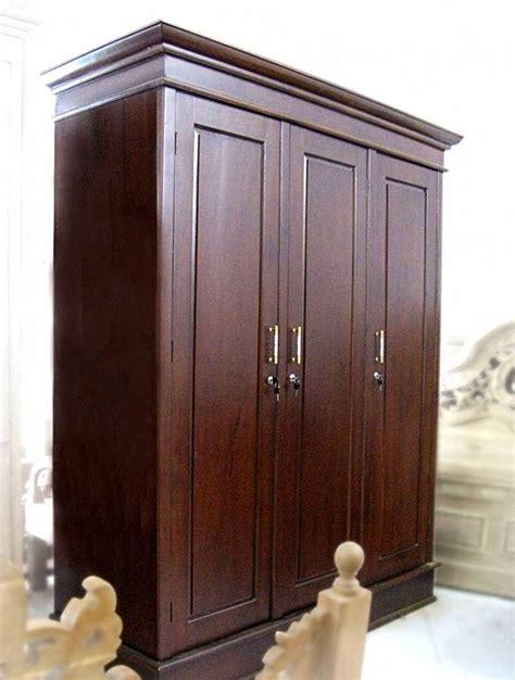 lemari pakaian pintu 3 furniture asli jepara mebel jepara minimalis