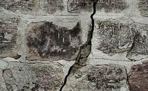 Reparer Grosse Fissure Mur Exterieur : fissures sur mur en pierre quelles sont les causes ~ Melissatoandfro.com Idées de Décoration
