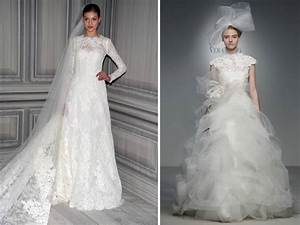 Vera wang and monique lhuillier feature sleeved wedding for Vera wang wedding dresses with sleeves