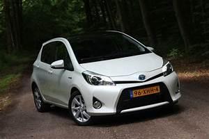 Toyota Yaris Dynamic Business : test toyota yaris full hybrid 1 5 dynamic pure rijervaring ~ Medecine-chirurgie-esthetiques.com Avis de Voitures
