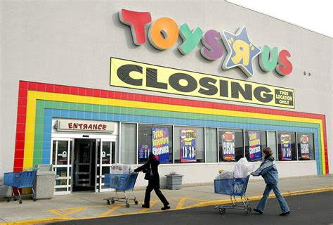 What Happens To Toys 'r' Us Gift Cards After Bankruptcy?