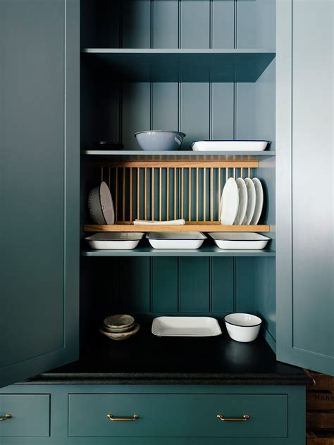 plate rack    open shelving   kitchen