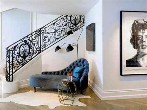 How To Decorate In Corners