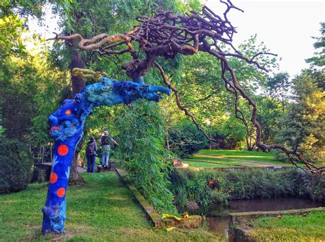 paseo por el jardin de carrejo el tomavistas de santander