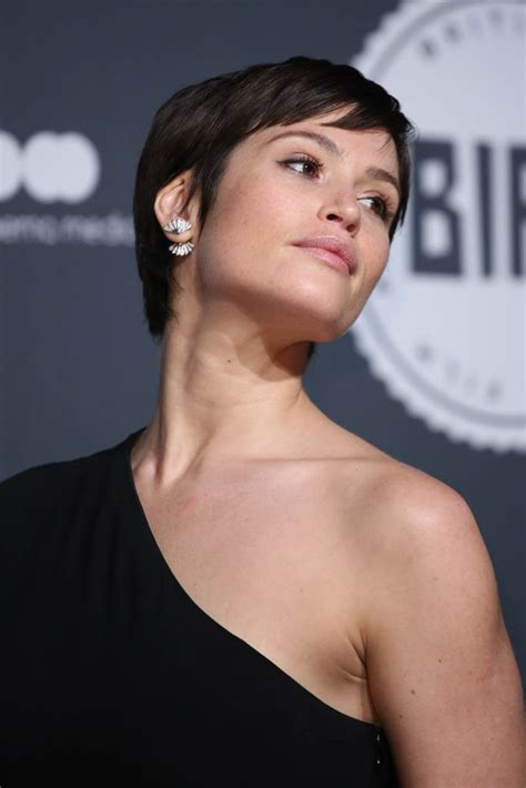 gemma artertons short hair   shoulder