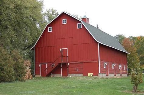 Iowa Barns, Even The Quirky 'cone-head,' Open Their Doors