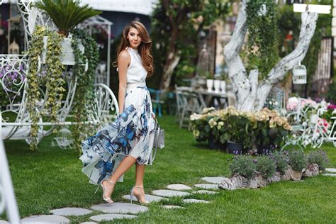 1001 + Ideas For Chic And Flawless Garden Party Attire