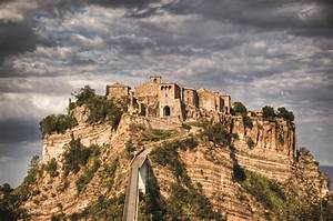 Past Italia! Cività di Bagnoregio - Italy Travel and Life ...  Italian