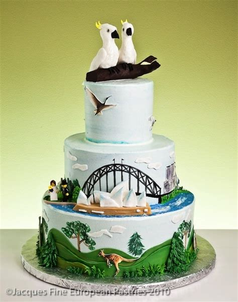 australia themed wedding cake  cockatoo toppers