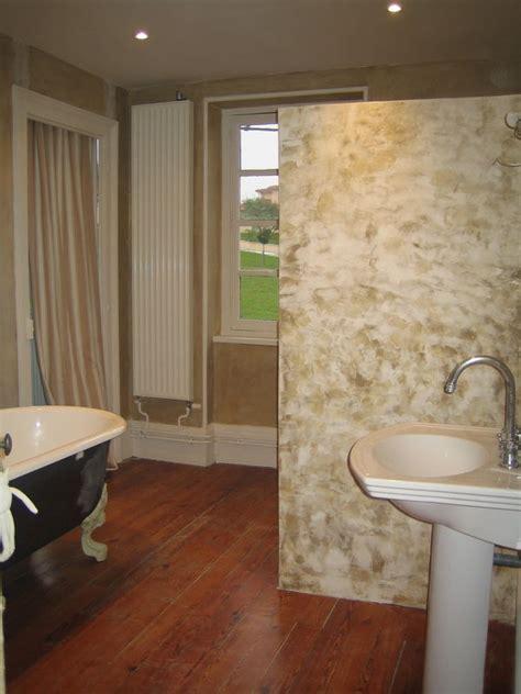 catalogue de peinture murale de la chaux et du stucco dans la salle de bain la peinture dans tous ses d 233 cors