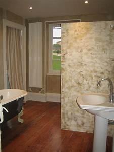 de la chaux et du stucco dans la salle de bain la With salle de bain a la chaux