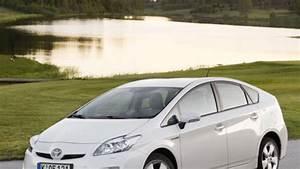 Toyota Prius Versions : toyota e version des prius auto ~ Medecine-chirurgie-esthetiques.com Avis de Voitures
