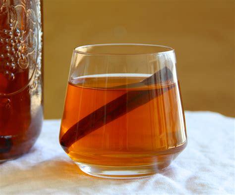 apple cider with bourbon bourbon apple cider making jiggy