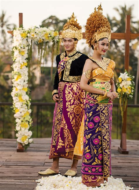 awesome indonesian tribal wedding costumes