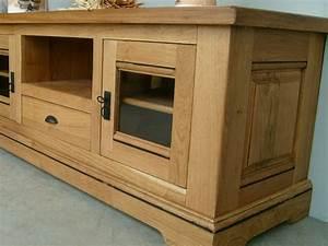 Meuble Tv En Chene : meuble tv rustique berry 2 portes 1 tiroir 1 niche meubles bois massif ~ Teatrodelosmanantiales.com Idées de Décoration