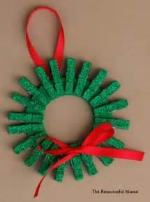 mini clothespin christmas wreath ornament allfreeholidaycrafts com