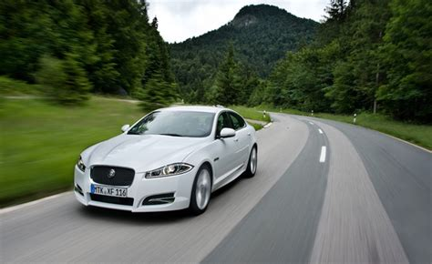 jaguar xf downsizing   cylinder engine autoguidecom news