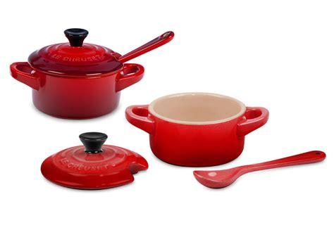 le creuset stoneware mini cocotte condiment set  piece cherry red cutlery
