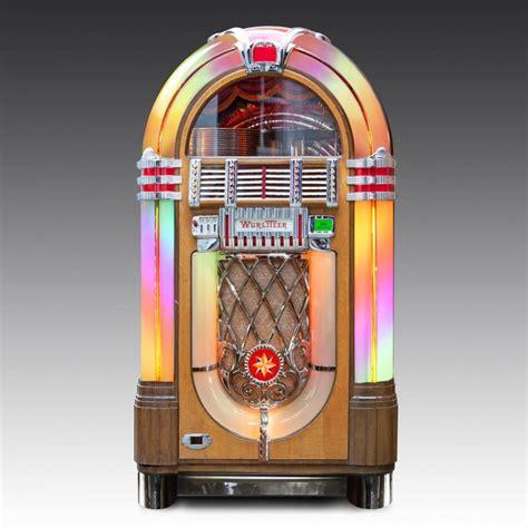 1940s Wurlitzer 1015 vinyl jukebox