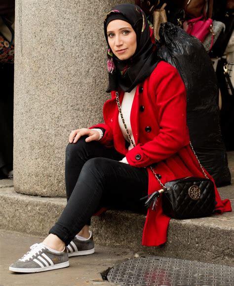 pakai jilbab sutra  nyaman seharian