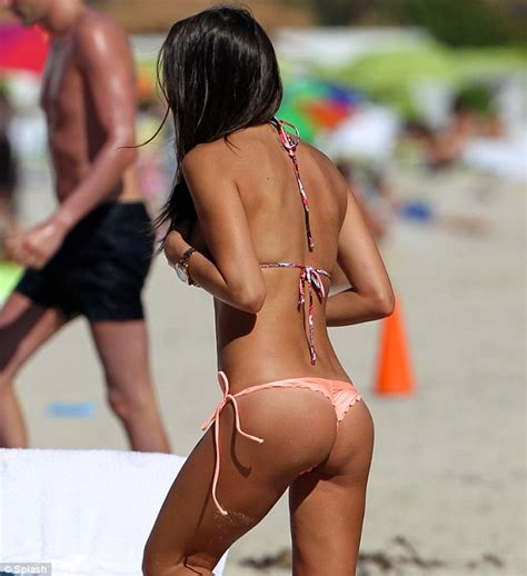 jordy nelson bikini paraguayan model claudia galanti shows off her toned