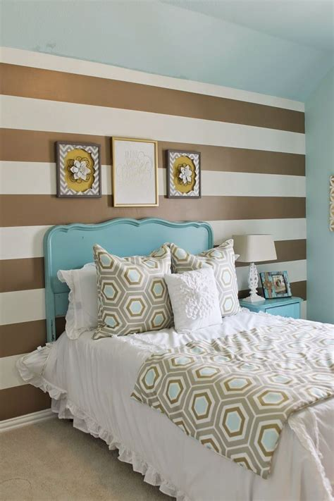 classy blue  turquoise accents bedroom designs