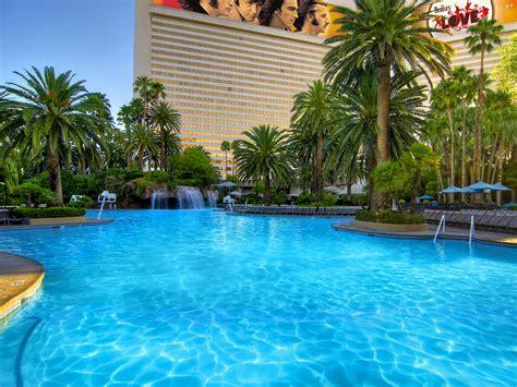 Best Family Pools In Las Vegas For Kids