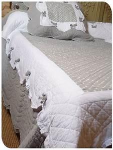 Couvre Lit Harmony : les 25 meilleures id es concernant couvre lit sur pinterest couvre lits lit une place et ~ Teatrodelosmanantiales.com Idées de Décoration