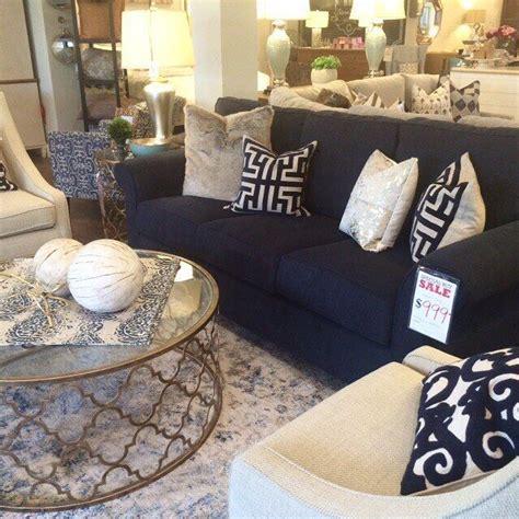 Navy Sofa Living Room by Best 25 Navy Blue Sofa Ideas On Navy Blue