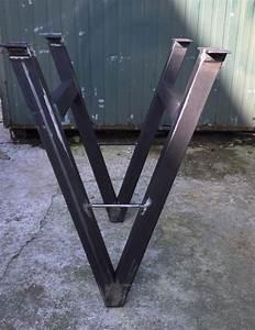 Pied De Table En Acier : 92 best images about pieds de table en acier brut on pinterest ~ Teatrodelosmanantiales.com Idées de Décoration