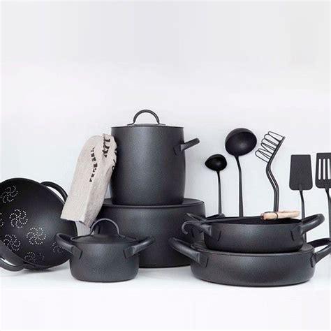 images  italian kitchens  pinterest copper pots seaside decor  dark wood