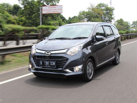Review Daihatsu Sigra by Test Drive Daihatsu Sigra Standard Baru Mobil Lcgc