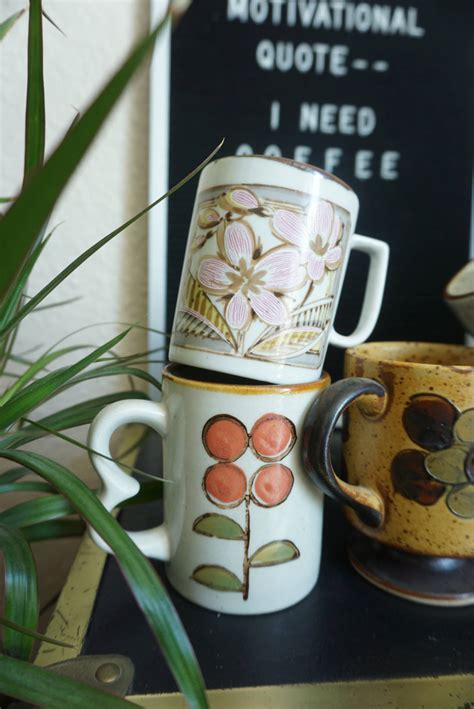 The most common antique coffee cup material is porcelain & ceramic. Vintage Floral Ceramic Coffee Mugs - Various Styles