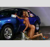 Brandi Love Washing Mustang Pichunter